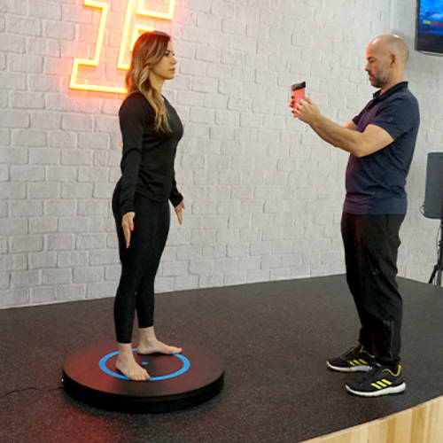 3D scanning a female Fitness First member